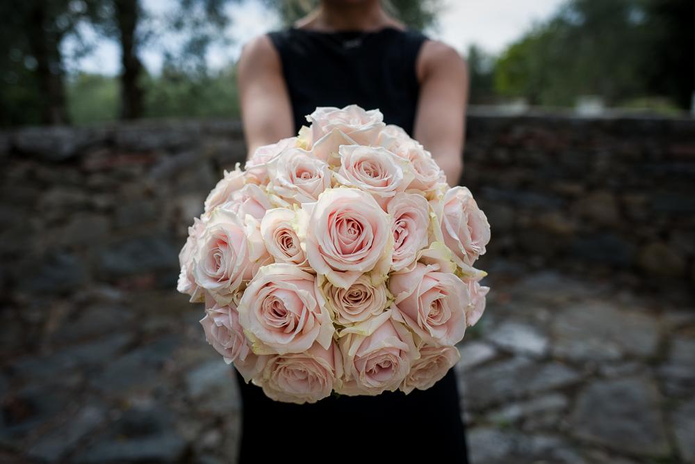 Bouquet per wedding rose avalance peach.